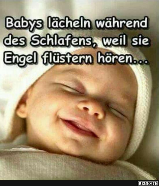 Babys Lächeln Während Des Schlafens Weil Sie Engel Flüstern Hören